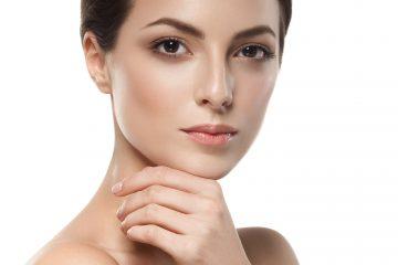 Kobieta ze zdrową skórą